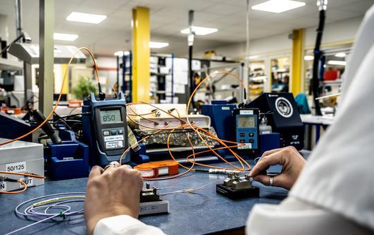 Assembly - fiber optic 3